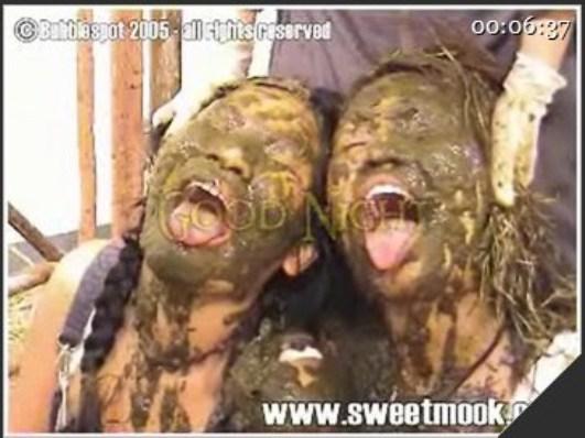 Sweetmook – Zoo scat – Girl eat dog shit